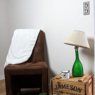 empreinte-de-styles-renovation-du-sol-au-plafond-murs-et-meubles