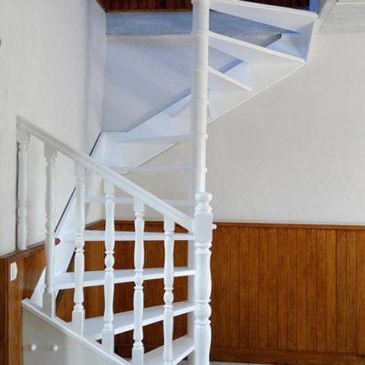 empreinte-de-styles-renovation-interieure-peinture-escalier